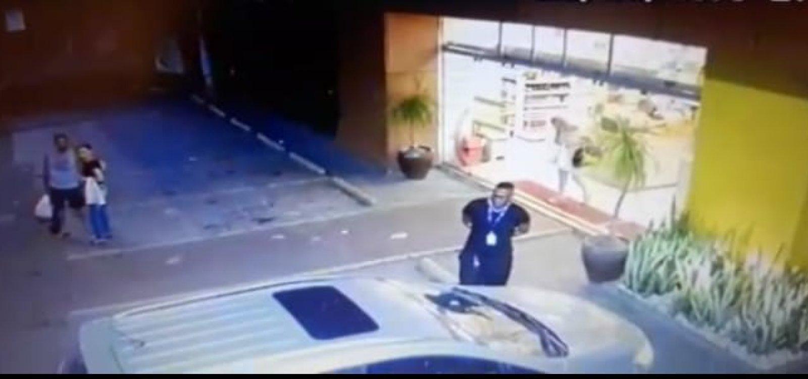 Delicatessen rebate acusação de vítima de assalto: 'em momento nenhum foi negado apoio'