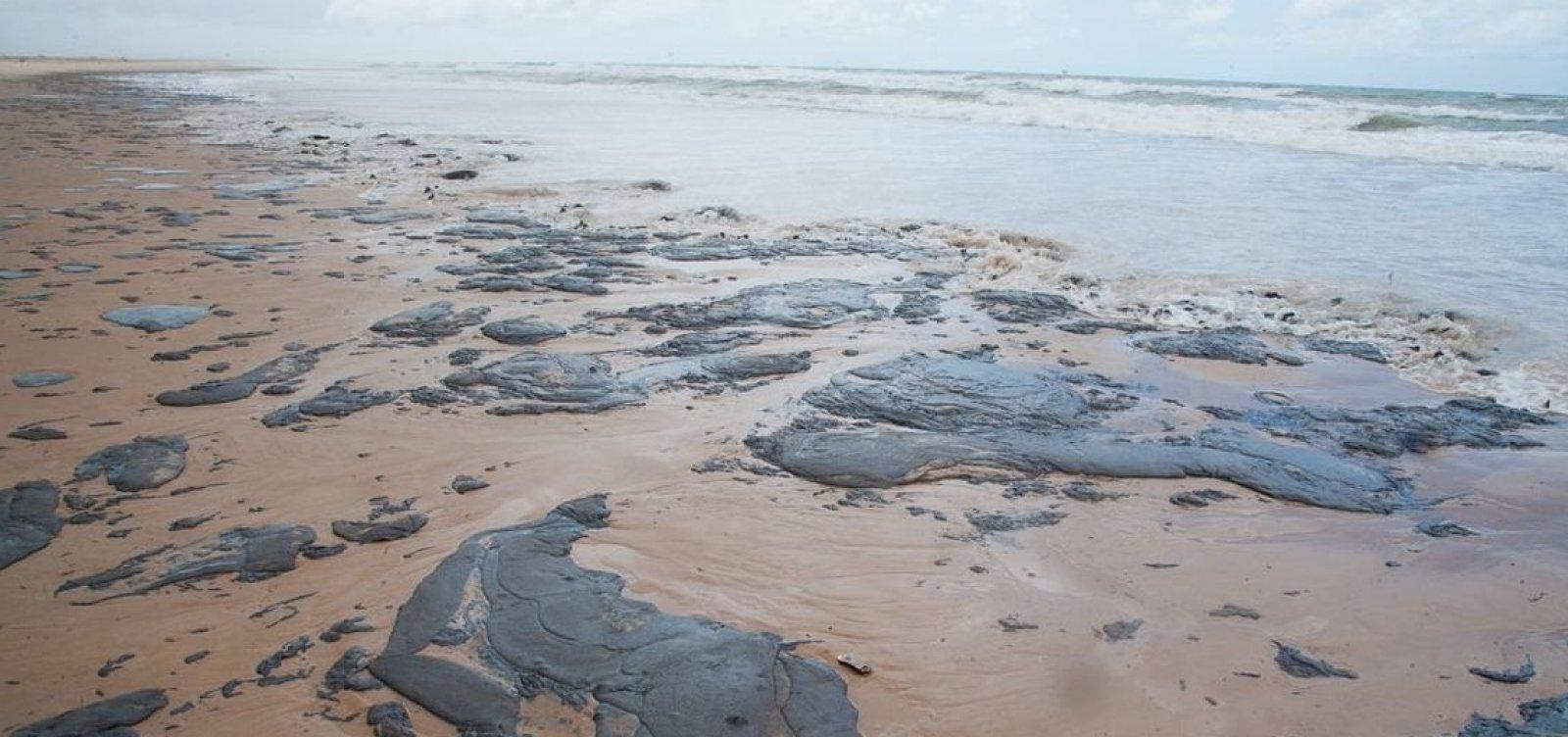 Consumidor tem direito de remarcar viagem a praias atingidas por óleo
