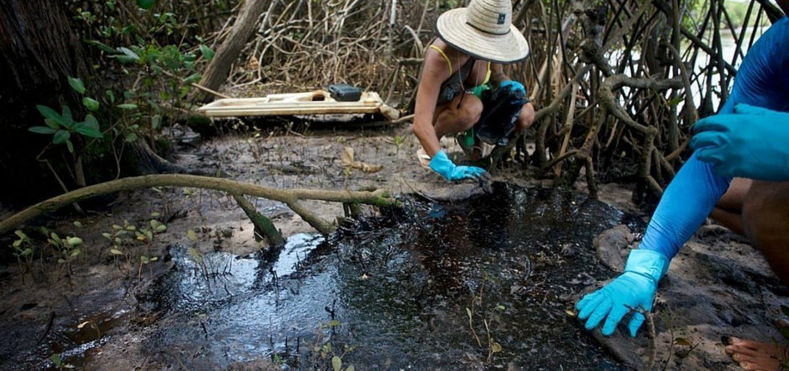 Rio Pojuca é atingido por ao menos 800 kg de óleo