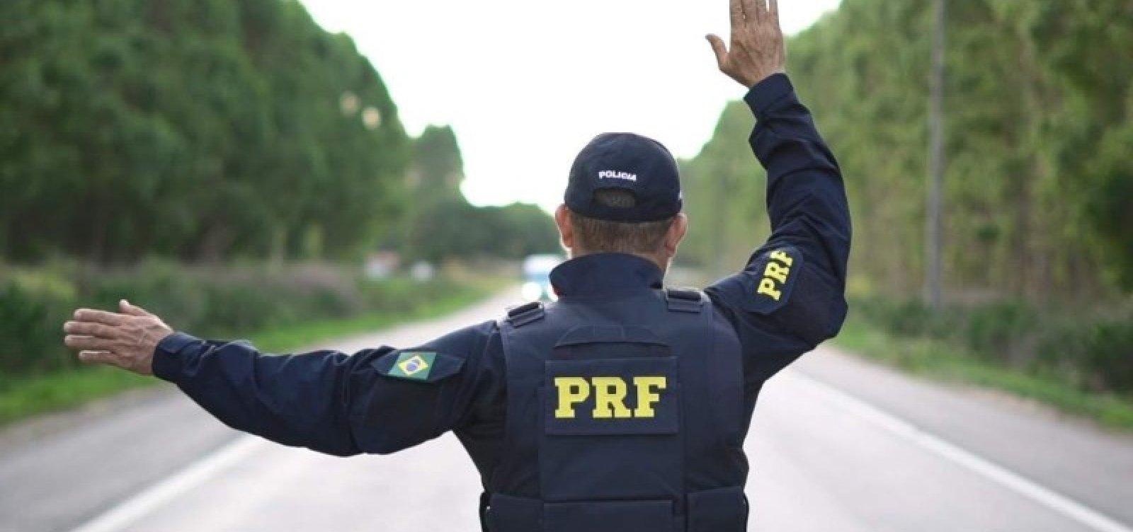 Caminhoneiro é detido ao tentar subornar policiais na BR-101