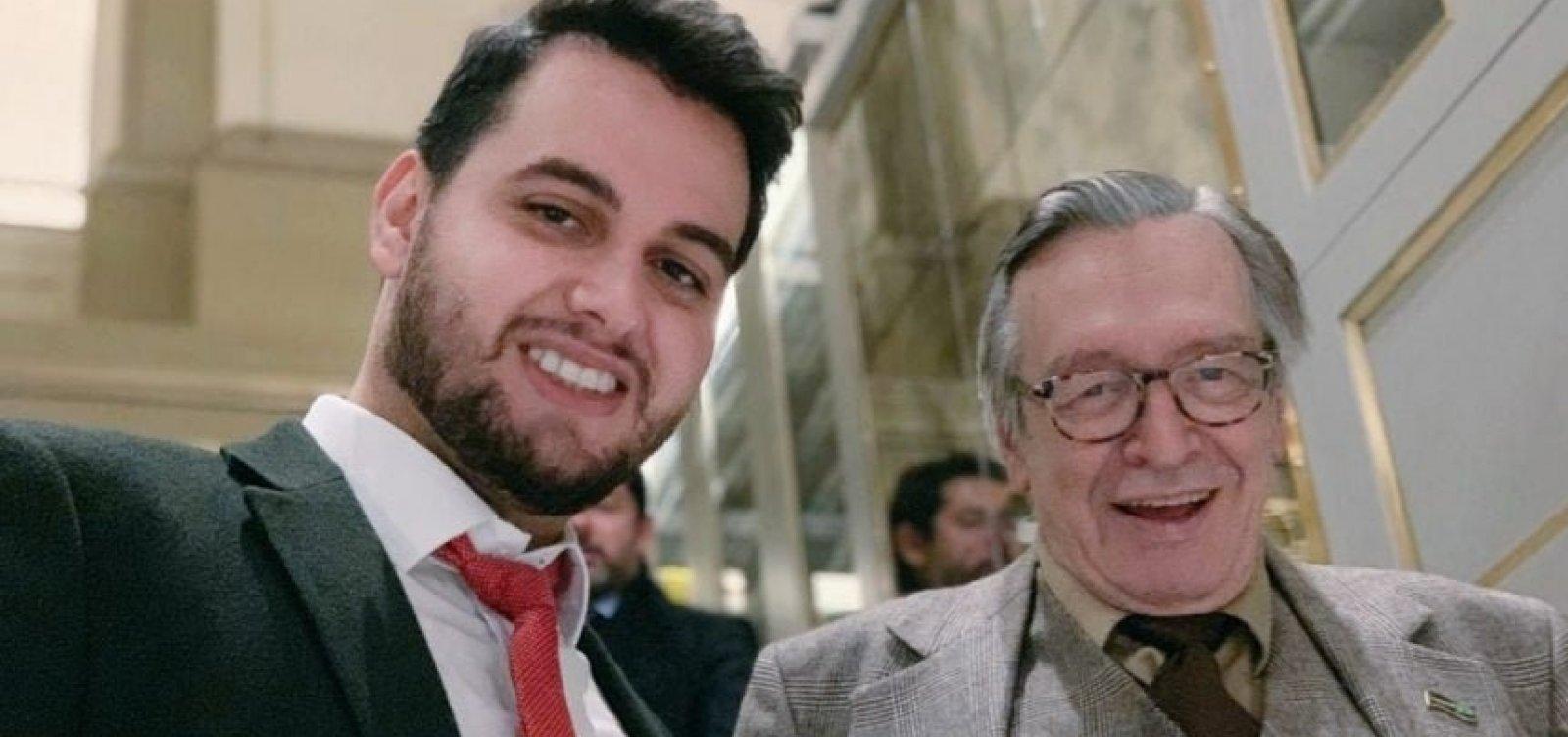 Assessor de Bolsonaro é convocado pela CPMI das fake news