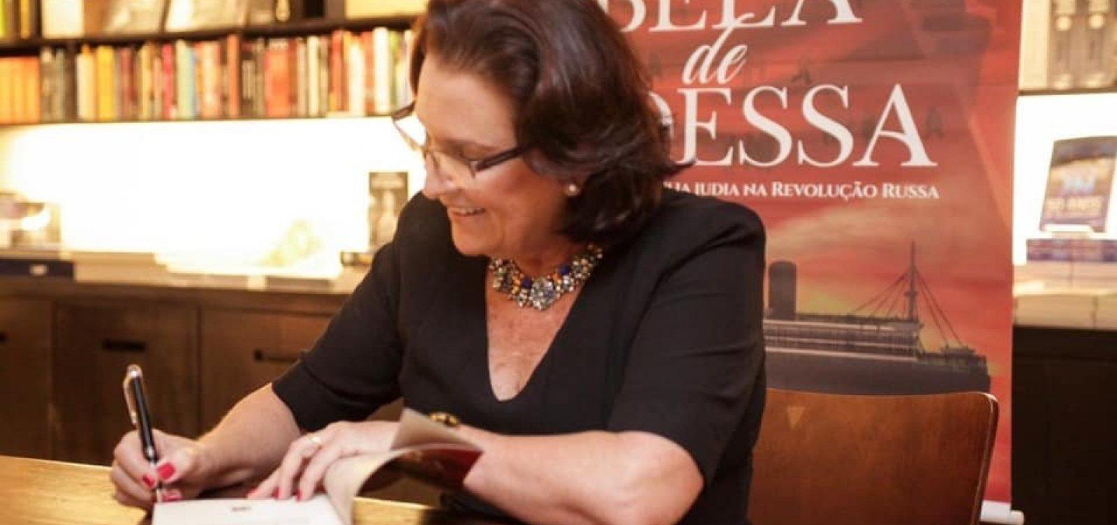Em livro, Rachel Bassan conta saga de família judia na Revolução Russa