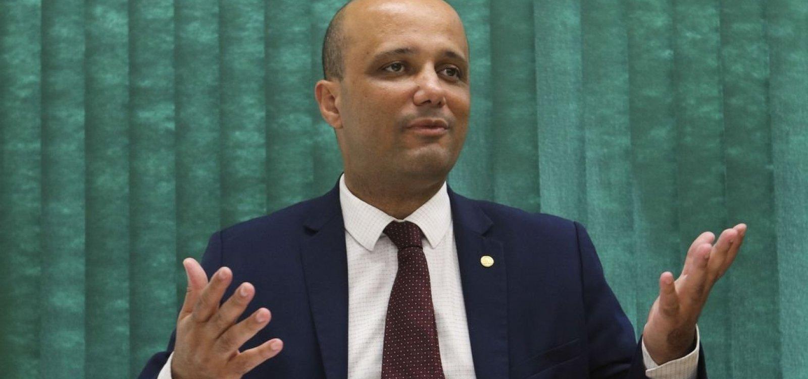 PSL afasta líder do governo de comissão de Previdência dos militares