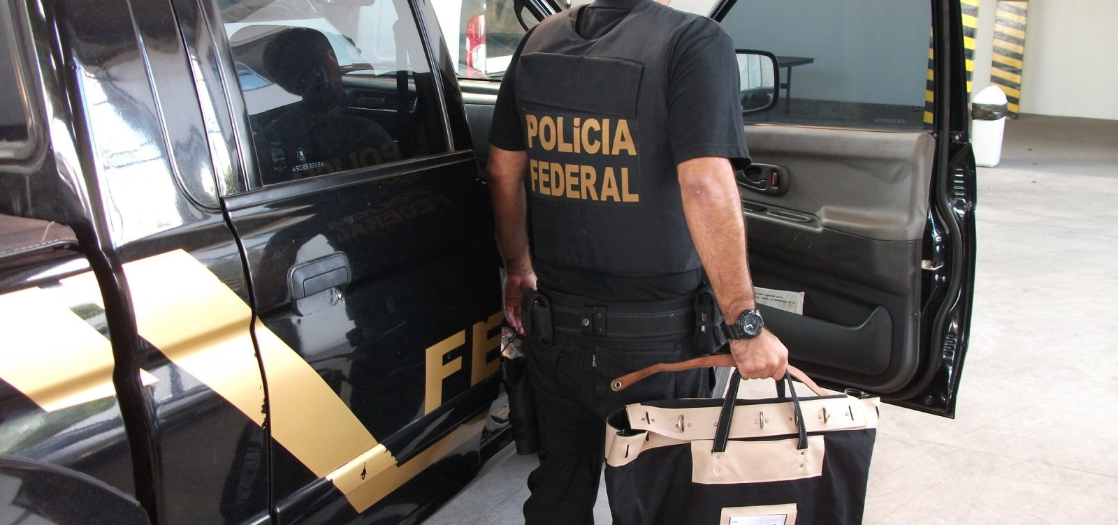 Simões Filho: PF faz operação contra cartel em transporte