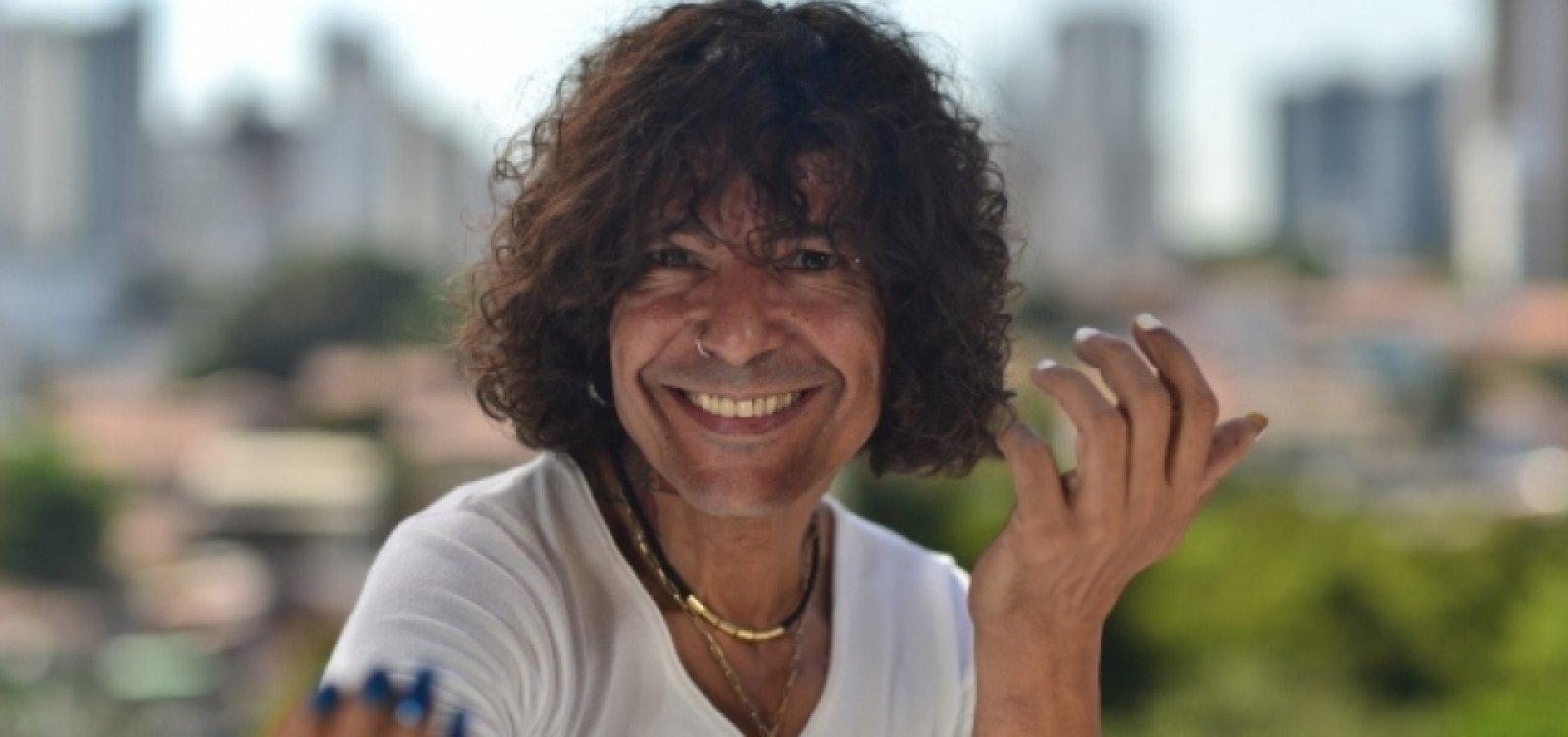 Torcedor do Bahia, Luiz Caldas reclama de 'parcialidade' de narrador do Premiere