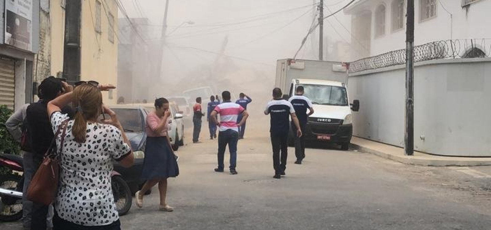 Sobe para 5 o número de mortes em desabamento de prédio em Fortaleza