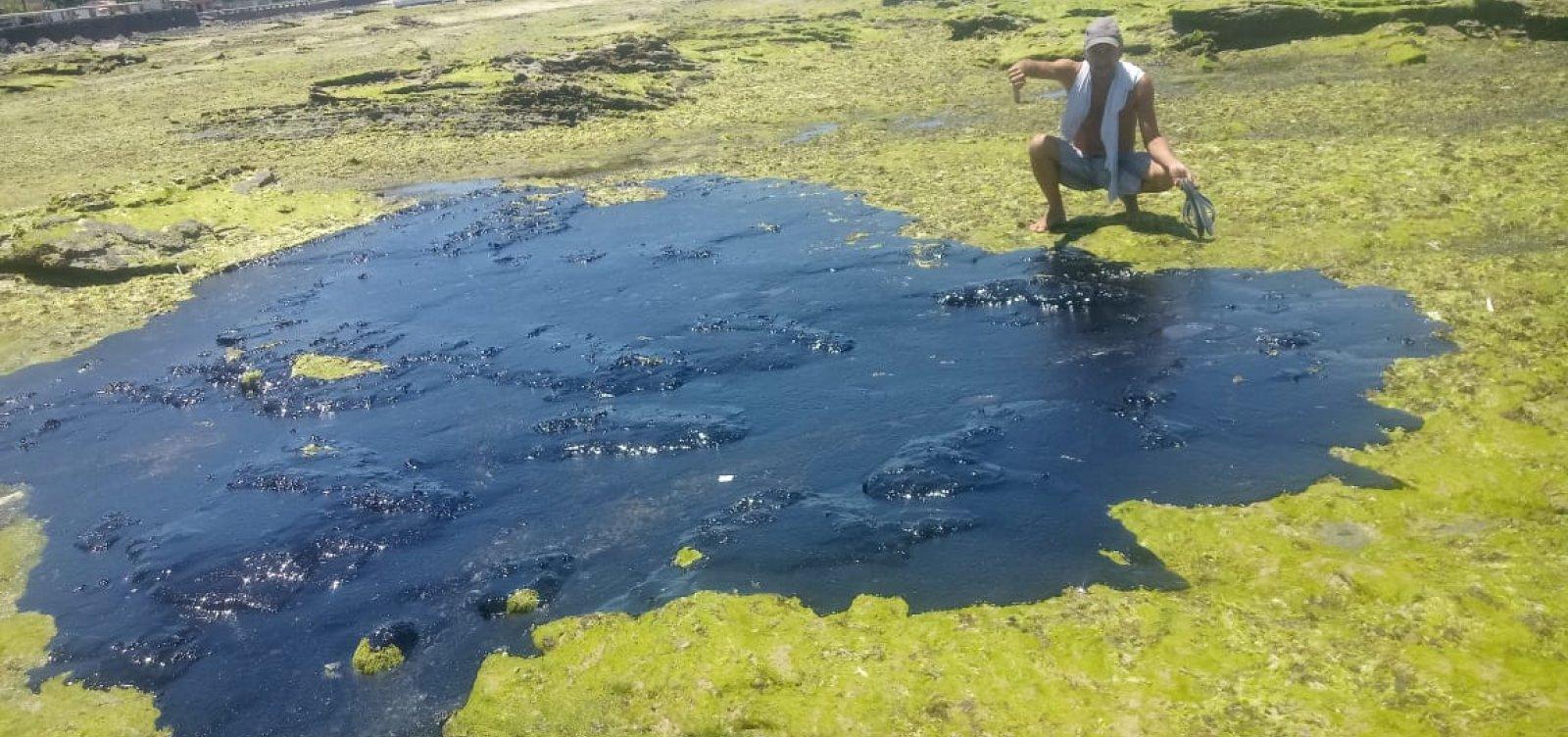 Manchas de óleo atingem Praia do Jaburu em Vera Cruz