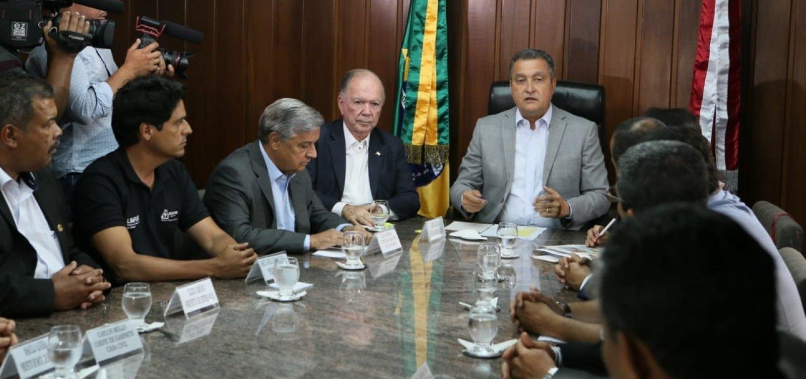 Rui cobra medidas do governo federal contra manchas de óleo na Bahia