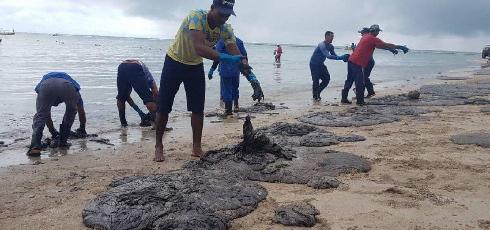 Manchas de óleo reaparecem em Pernambuco e devem chegar a Porto de Galinhas