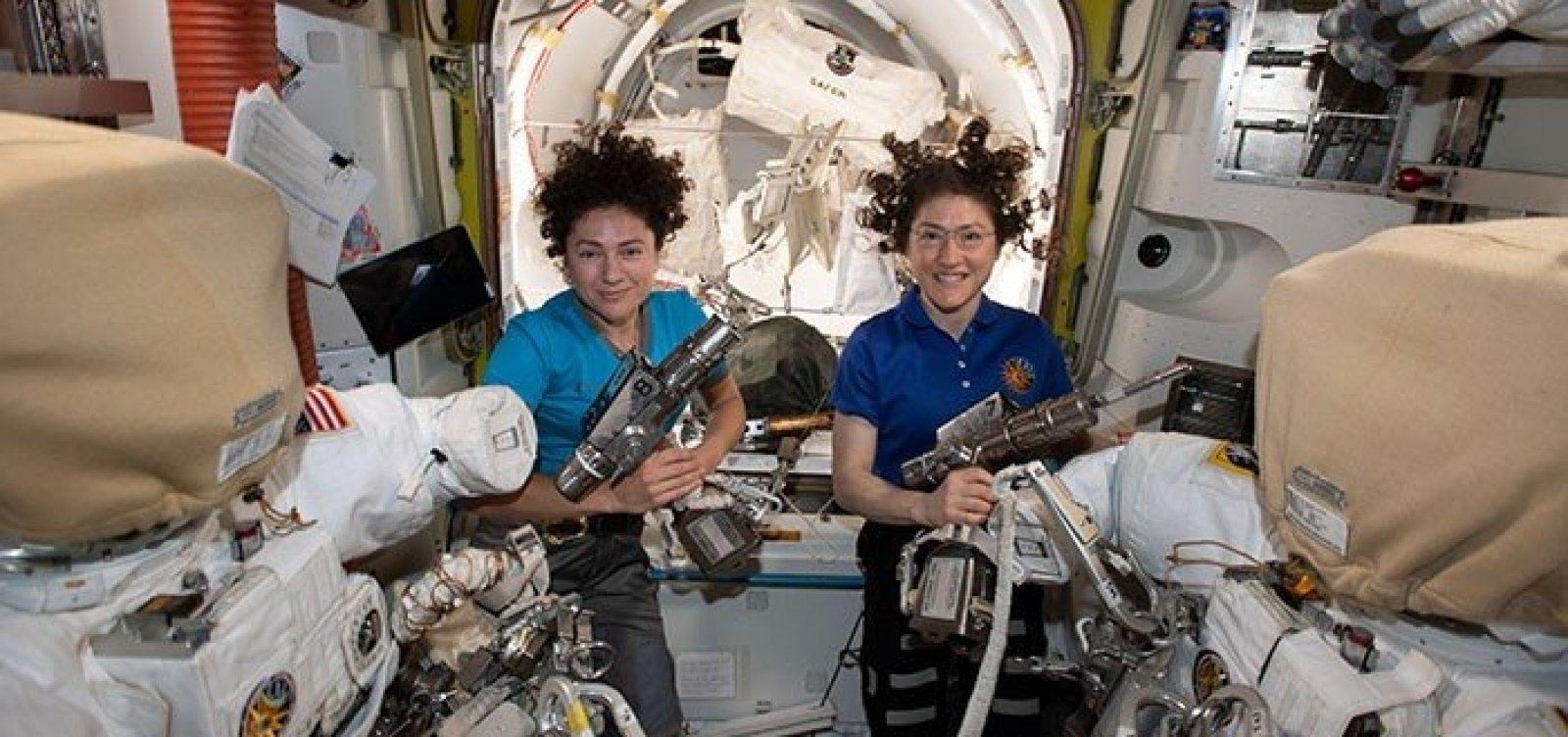 Nasa faz primeira caminhada espacial só com astronautas mulheres
