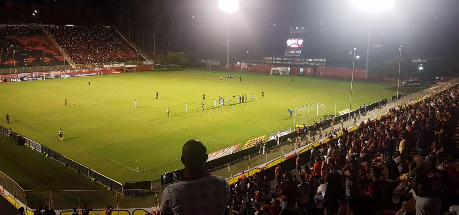 Vitória perde por 1 a 0 para o Londrina dentro de casa