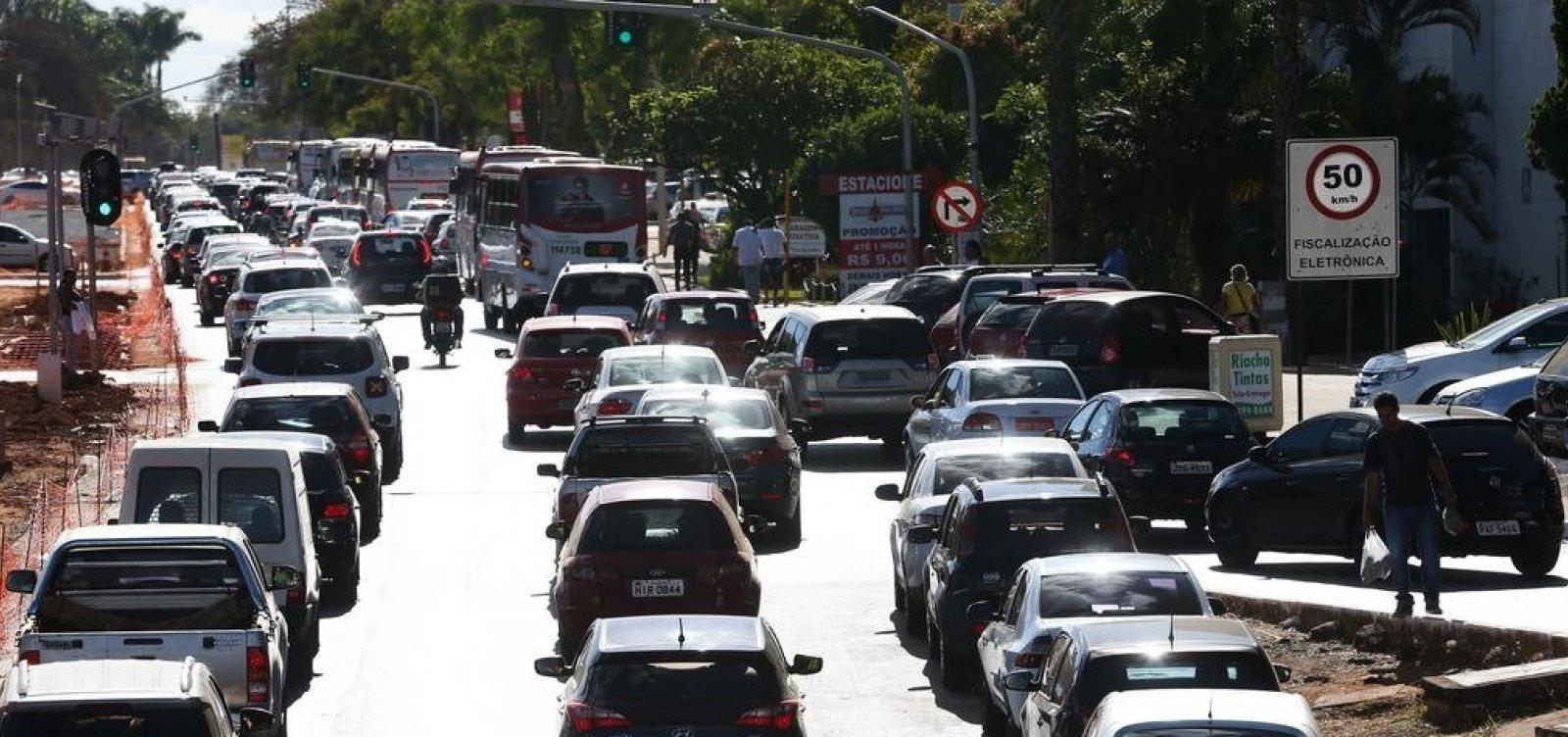 Mais de 208 mil veículos foram notificados este ano na Bahia por atraso em pagamento do IPVA