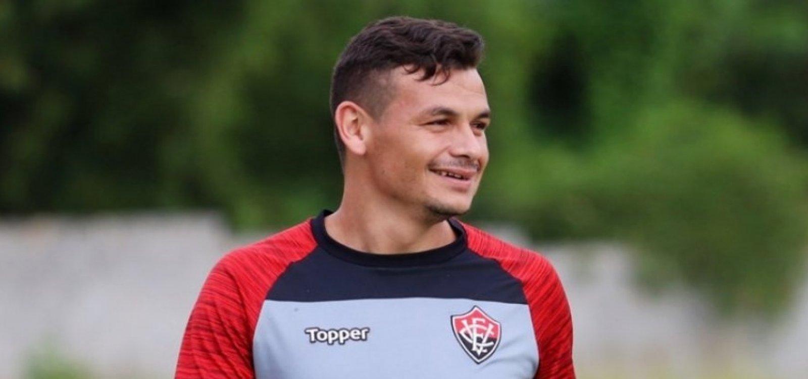 Após lesão, Ruy, do Vitória, não joga mais neste ano