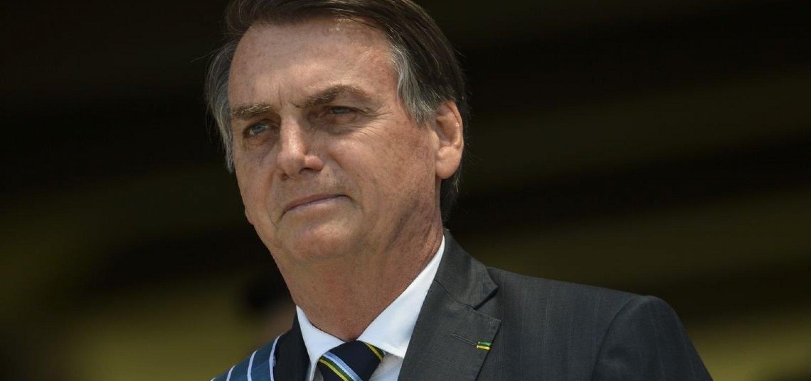 'Pergunta para eles', diz Bolsonaro ao ser questionado se fica no PSL