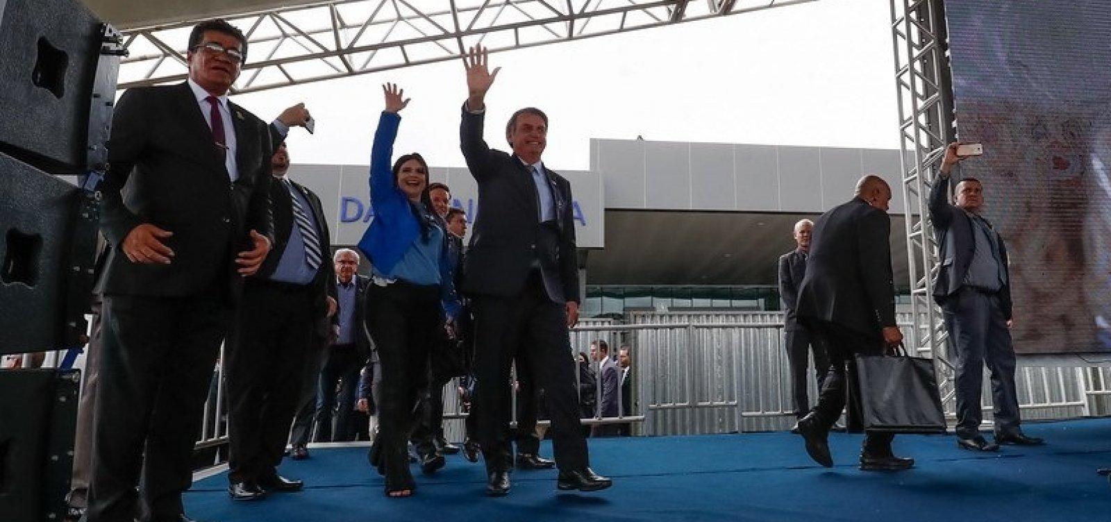 Bolsonarismo baiano entra em colapso e deputada discute com filho do presidente