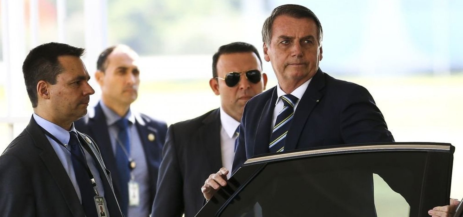 Bolsonaro procura 'caciques da política' para evitar isolamento diante de crise com PSL
