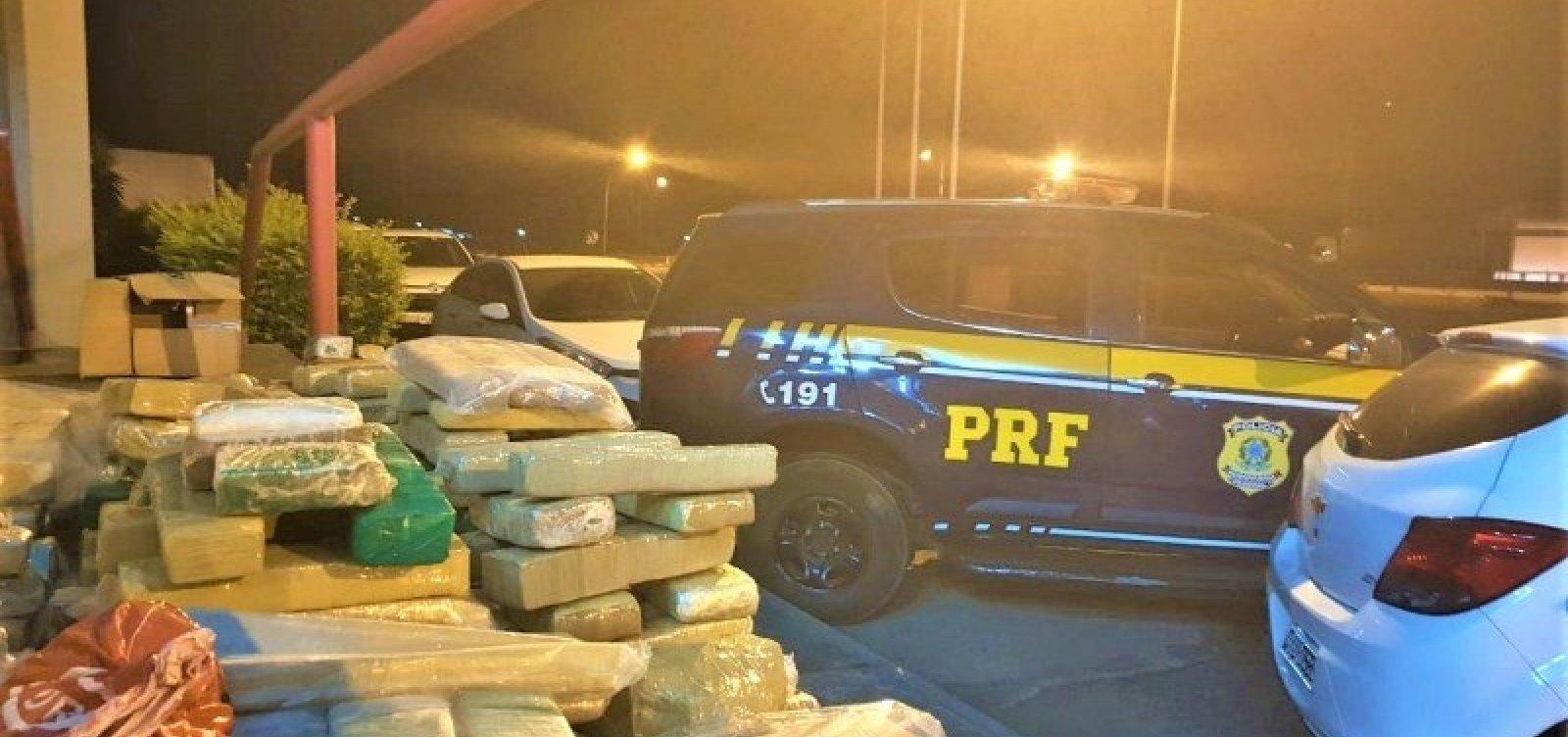 Após perseguição, PRF apreende 200 kg de maconha em carro na BR-116