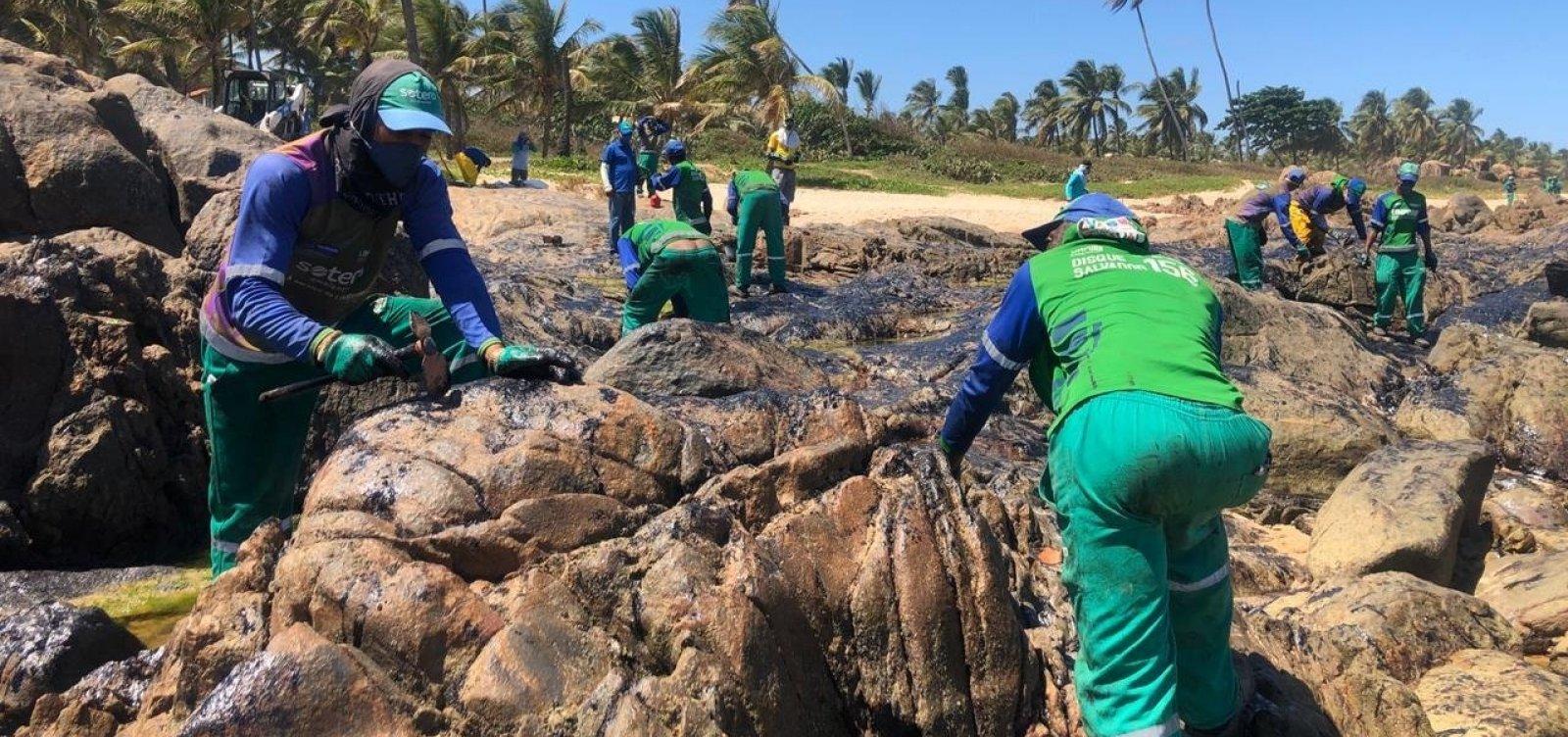 Especialistas reclamam de falta de transparência na apuração de vazamento de óleo