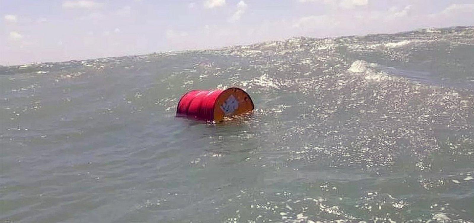 Marinha investiga cerca de 30 navios na busca por origem de óleo