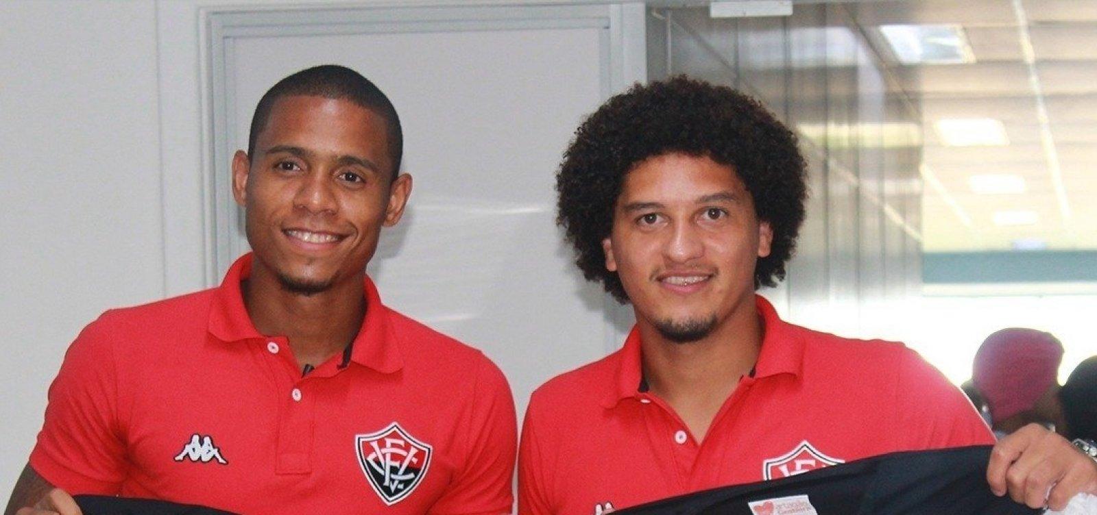 Jogadores do Vitória fazem visita ao Hospital Martagão Gesteira