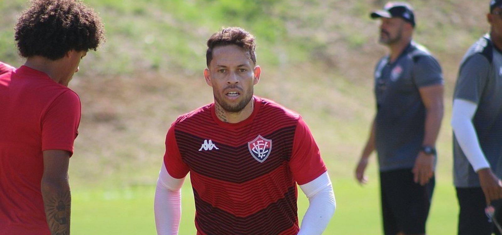 'Dono' da braçadeira de capitão do Vitória, Baraka se recupera de lesão e já pode jogar