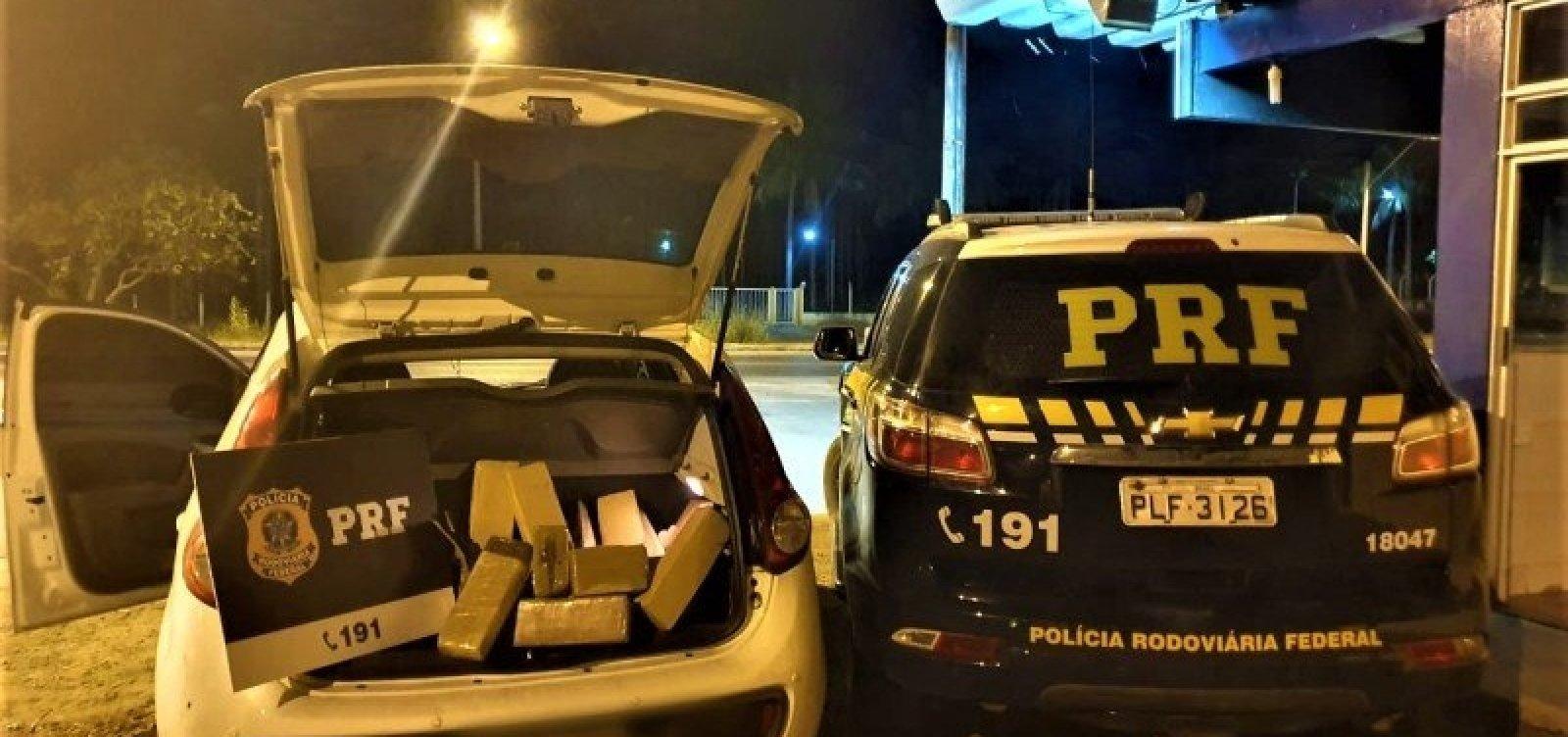 Dupla é presa com 30 kg de maconha após fugir de abordagem policial