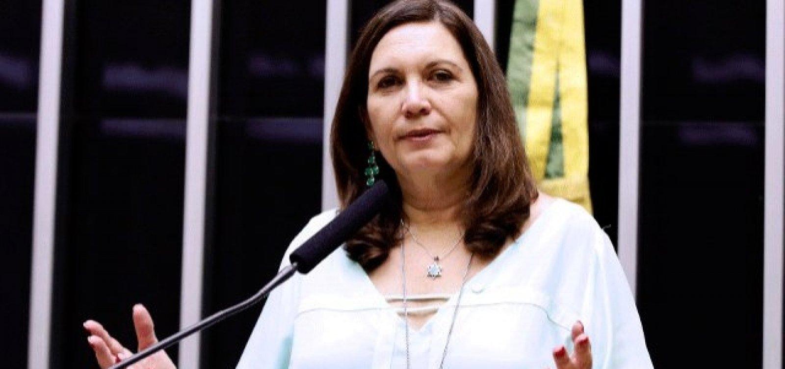Deputada do PSL tinha planilha para oferecer cargos em ministérios, dizem colegas