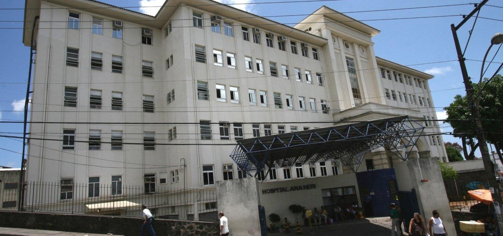 Médico acusa colega de se recusar a receber assistência em caso de idosa; paciente morreu