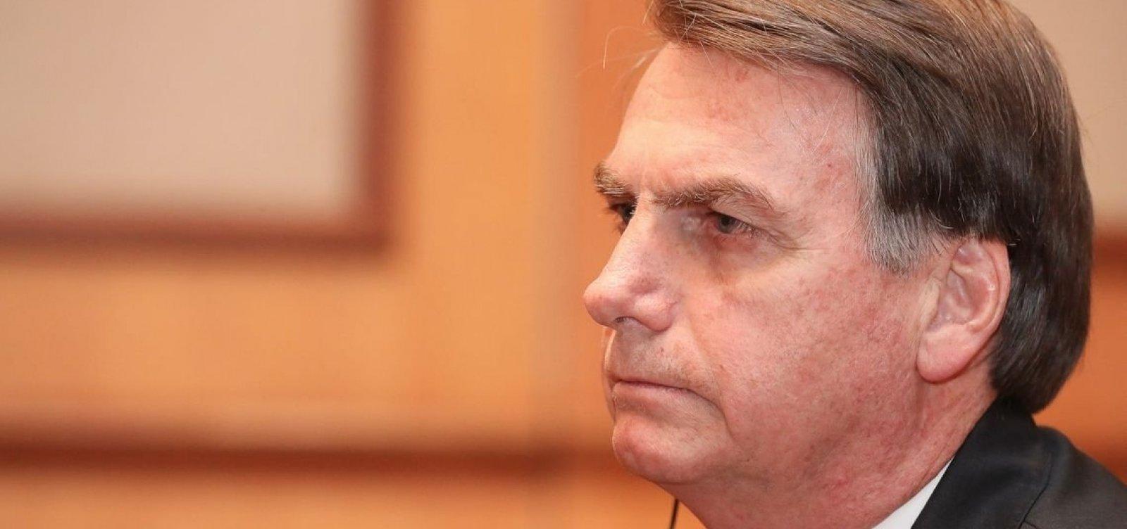 Greenpeace 'só atrapalha' o governo, diz Bolsonaro em Pequim