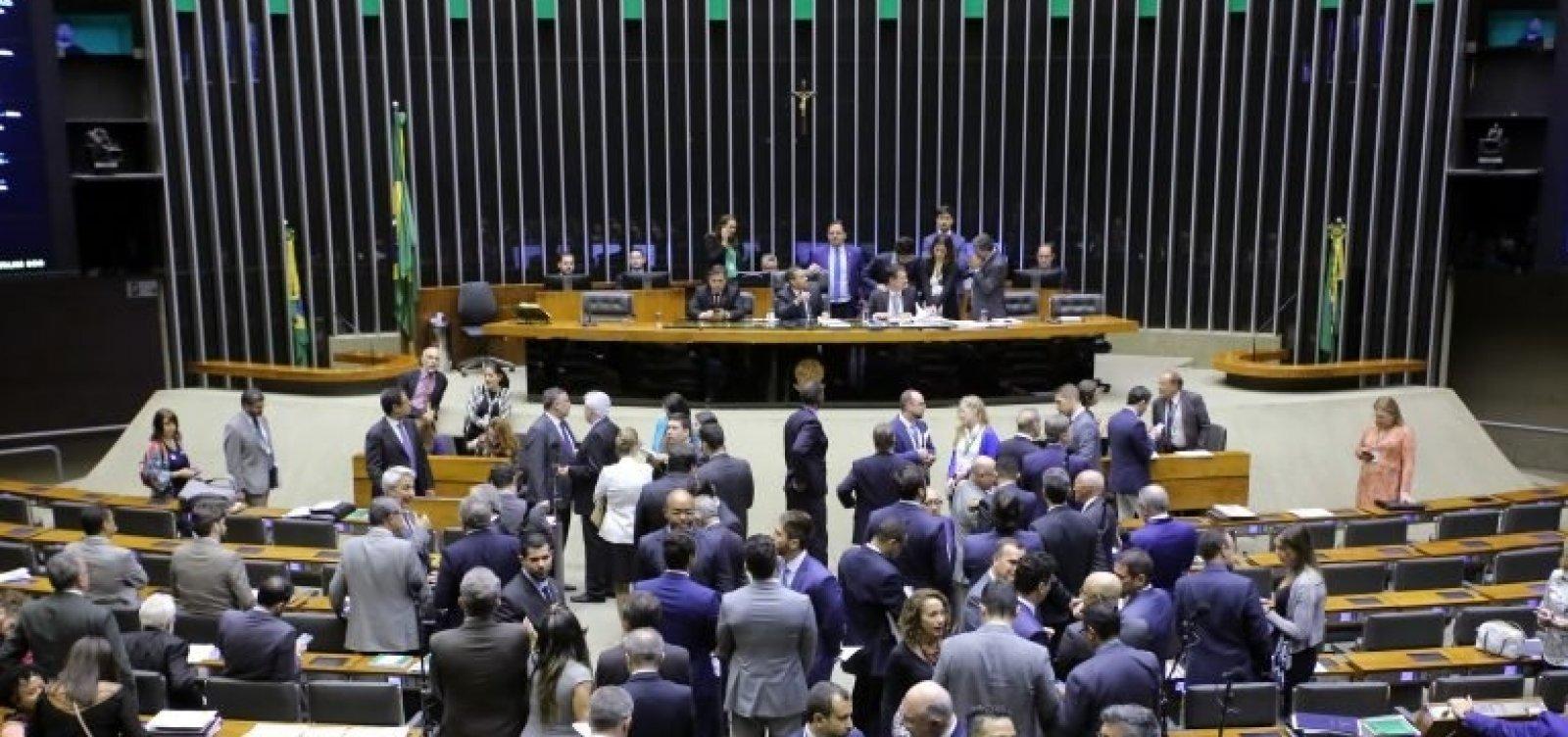 Plenário pode analisar projeto que amplia porte de armas