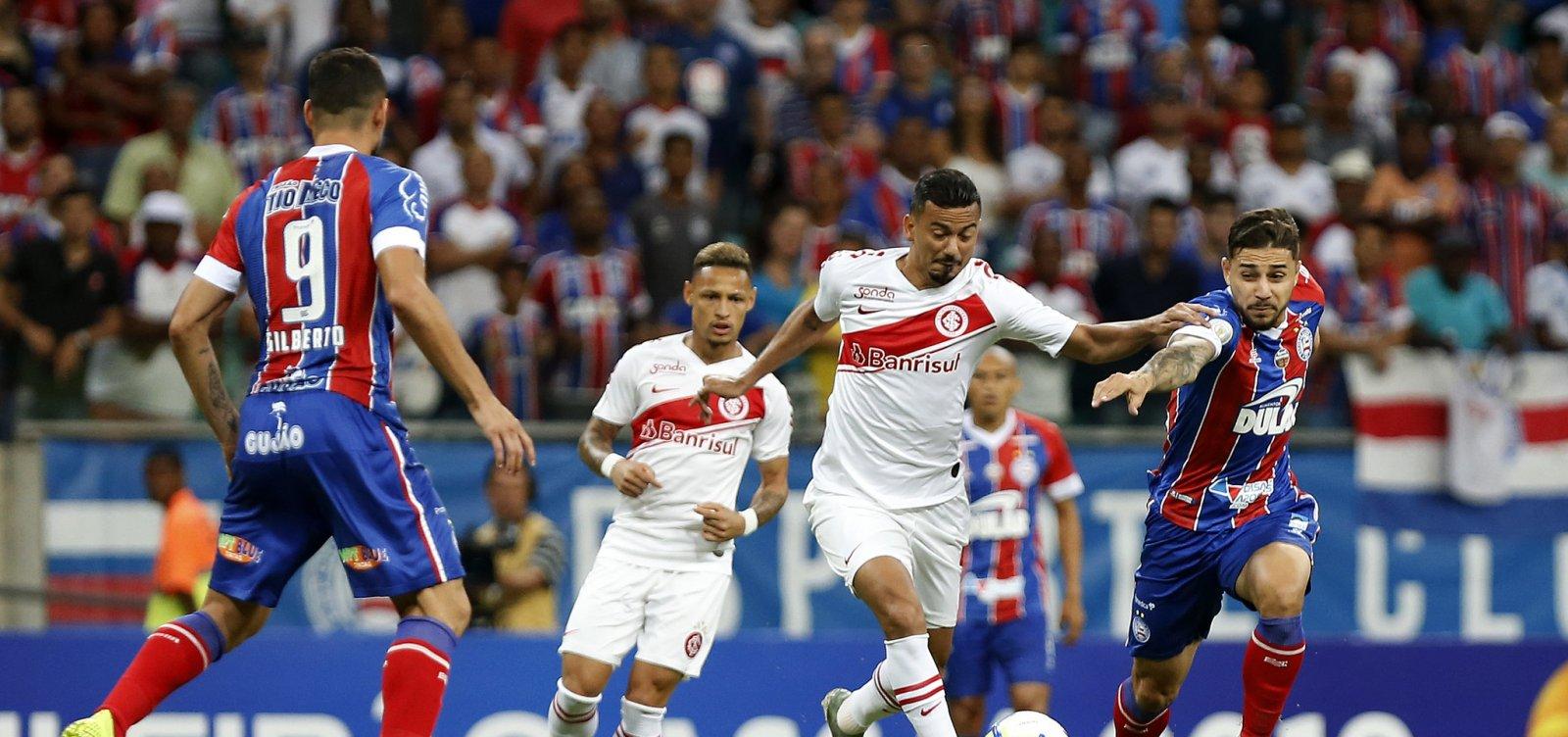 Bahia sofre com falhas defensivas e perde para o Internacional na Fonte Nova