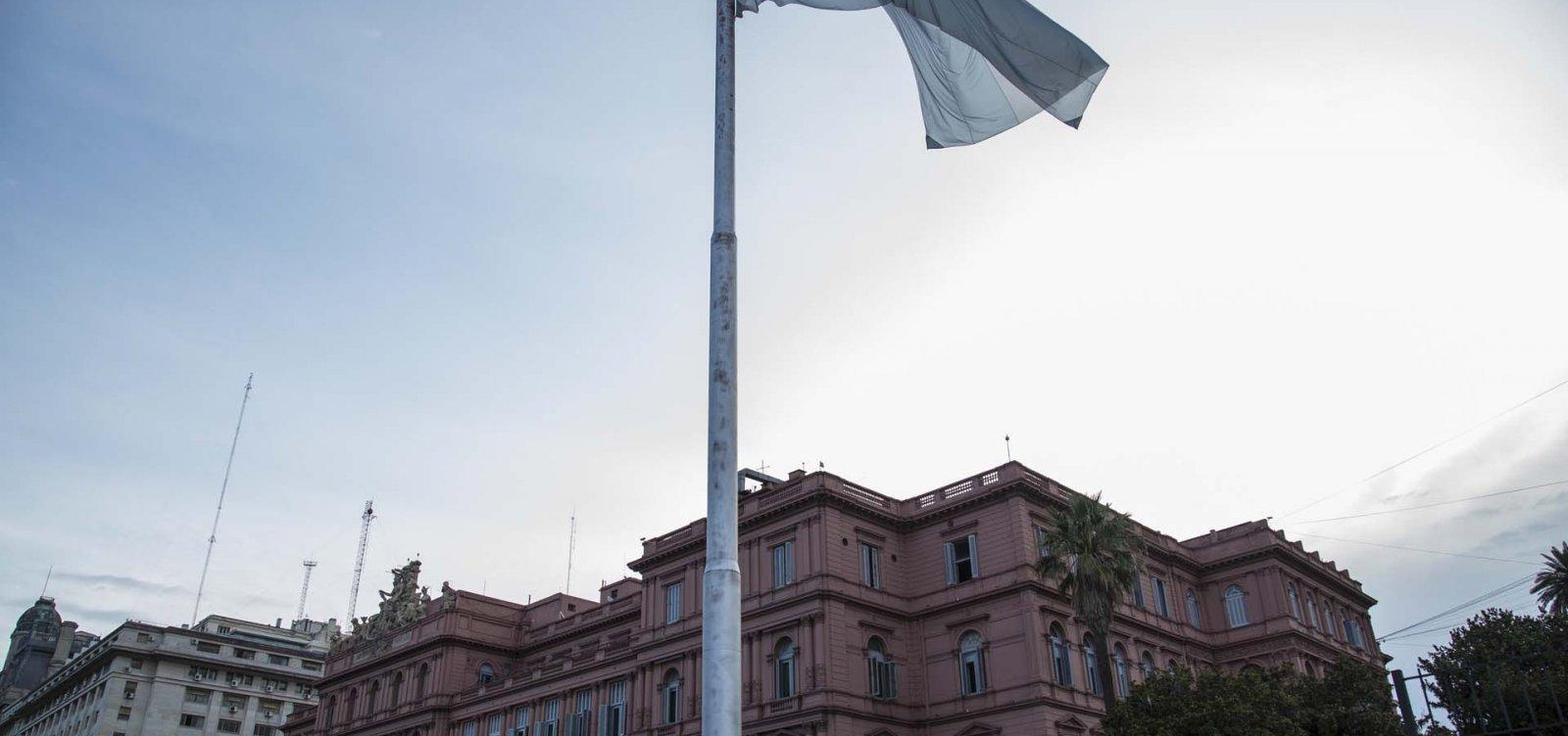 Em meio à crise econômica, Argentina decide hoje novo presidente