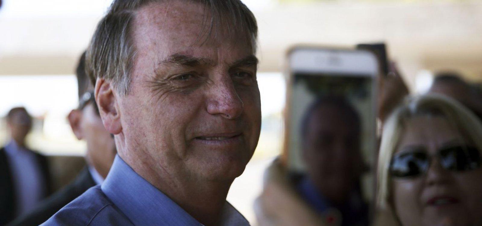 Bolsonaro defende fim da estabilidade para novos servidores públicos