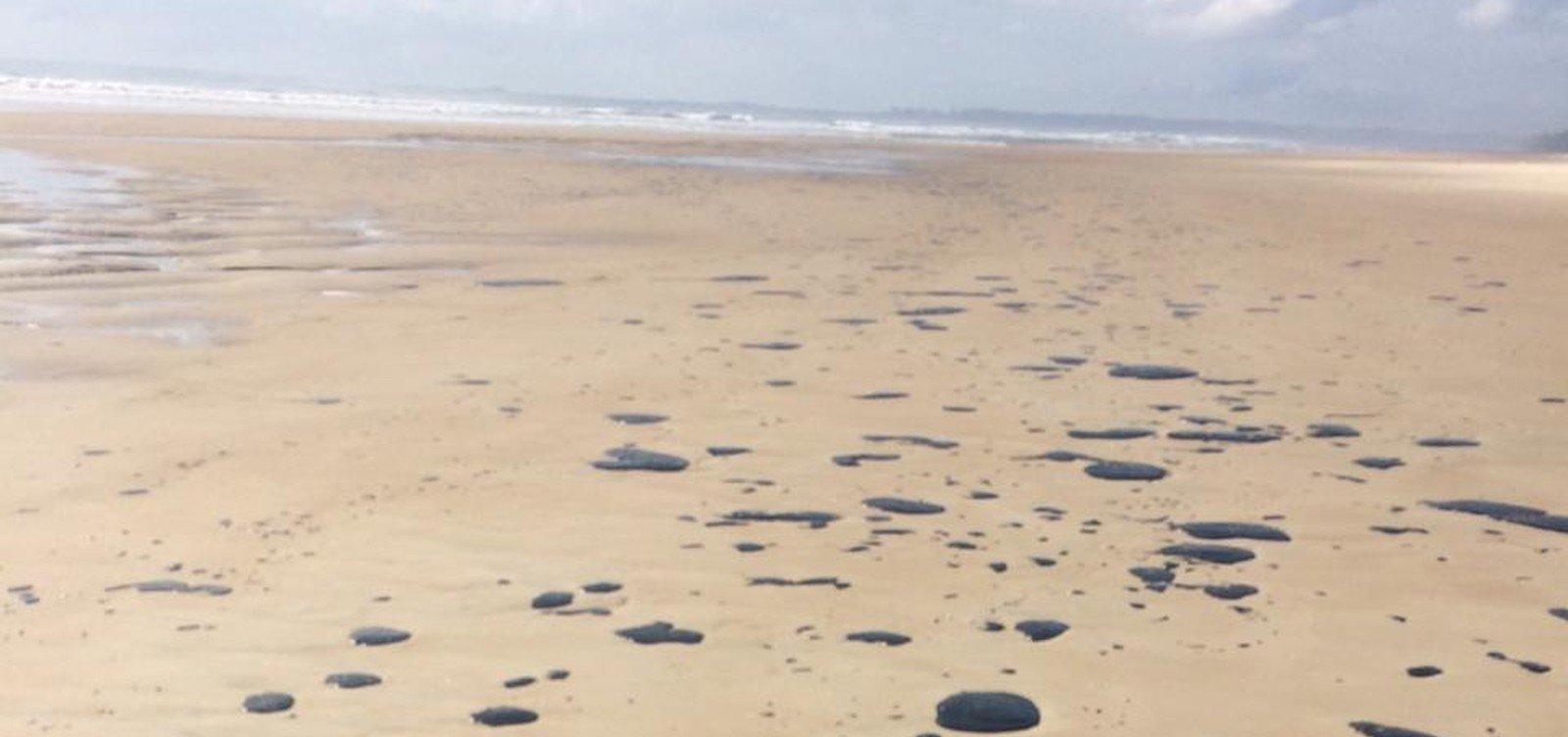 Turismo terá R$ 200 mi para reparar perdas com óleo, diz Bolsonaro