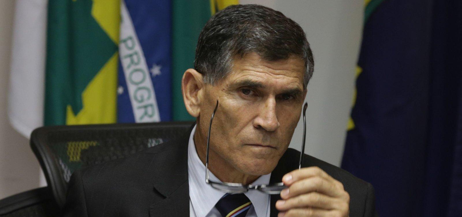 Grupo anti-Bolsonaro do PSL quer general Santos Cruz no partido