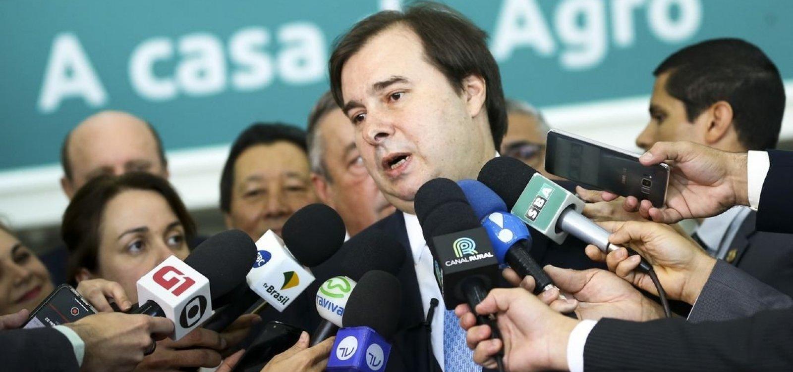 Maia parabeniza Fernández e prega respeito ao resultado das eleições argentinas