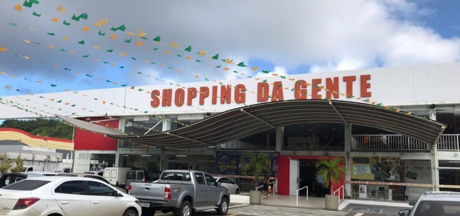 Policial é morto após reagir a assalto dentro de shopping em Salvador