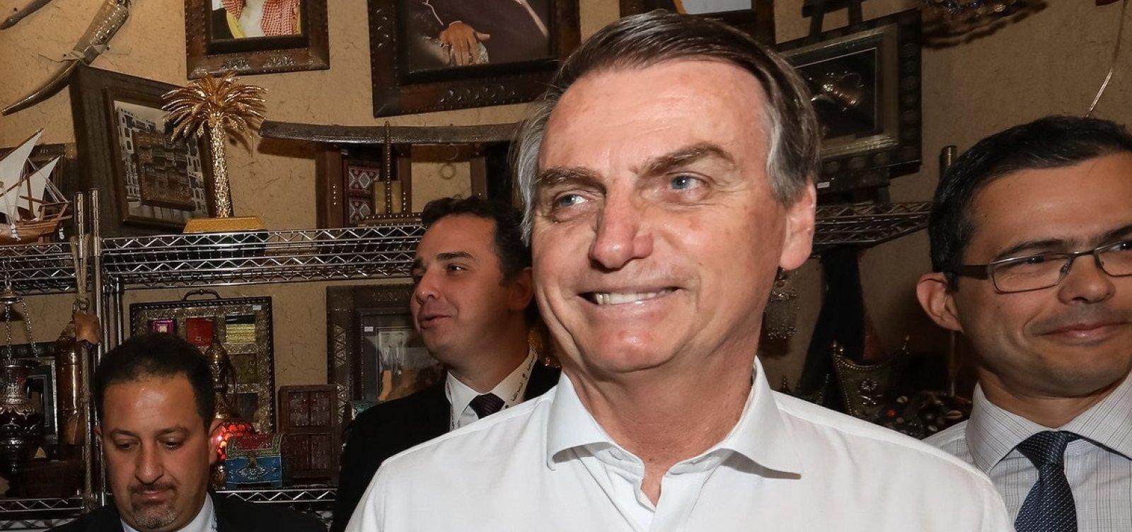 Bolsonaro assume ter 'potencializado' queimadas por 'nova política' na Amazônia