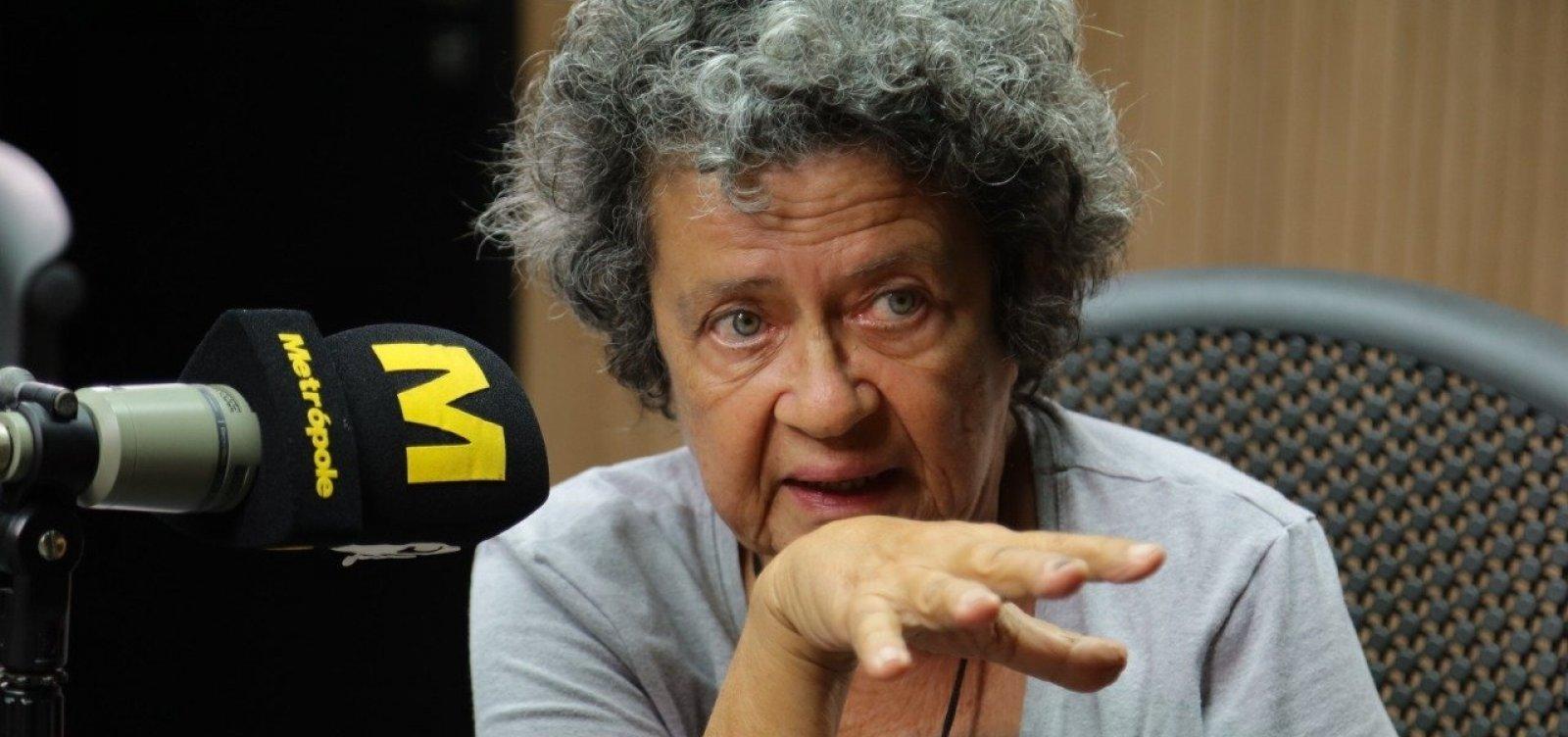 'Caneta azul é uma idiotia total', avalia Aninha Franco