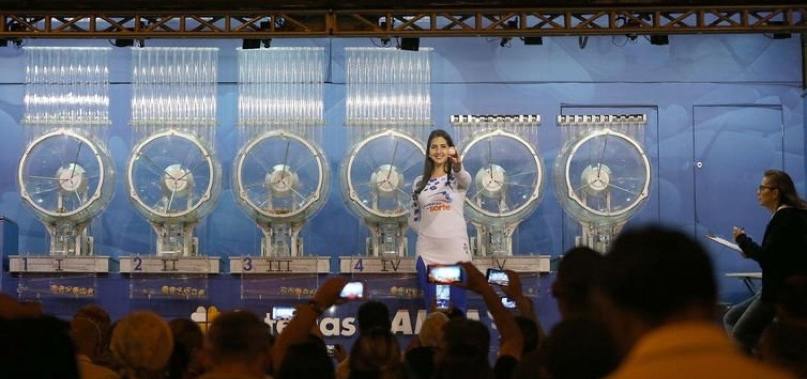 Caixa vai reajustar preços das loterias; jogo da Mega vai para R$ 4,50