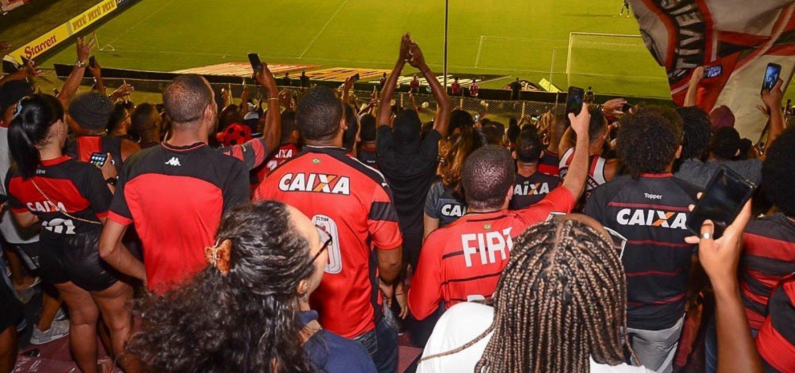 Vitória anuncia promoção com Brahma para jogo no sábado: '4 por R$ 10'