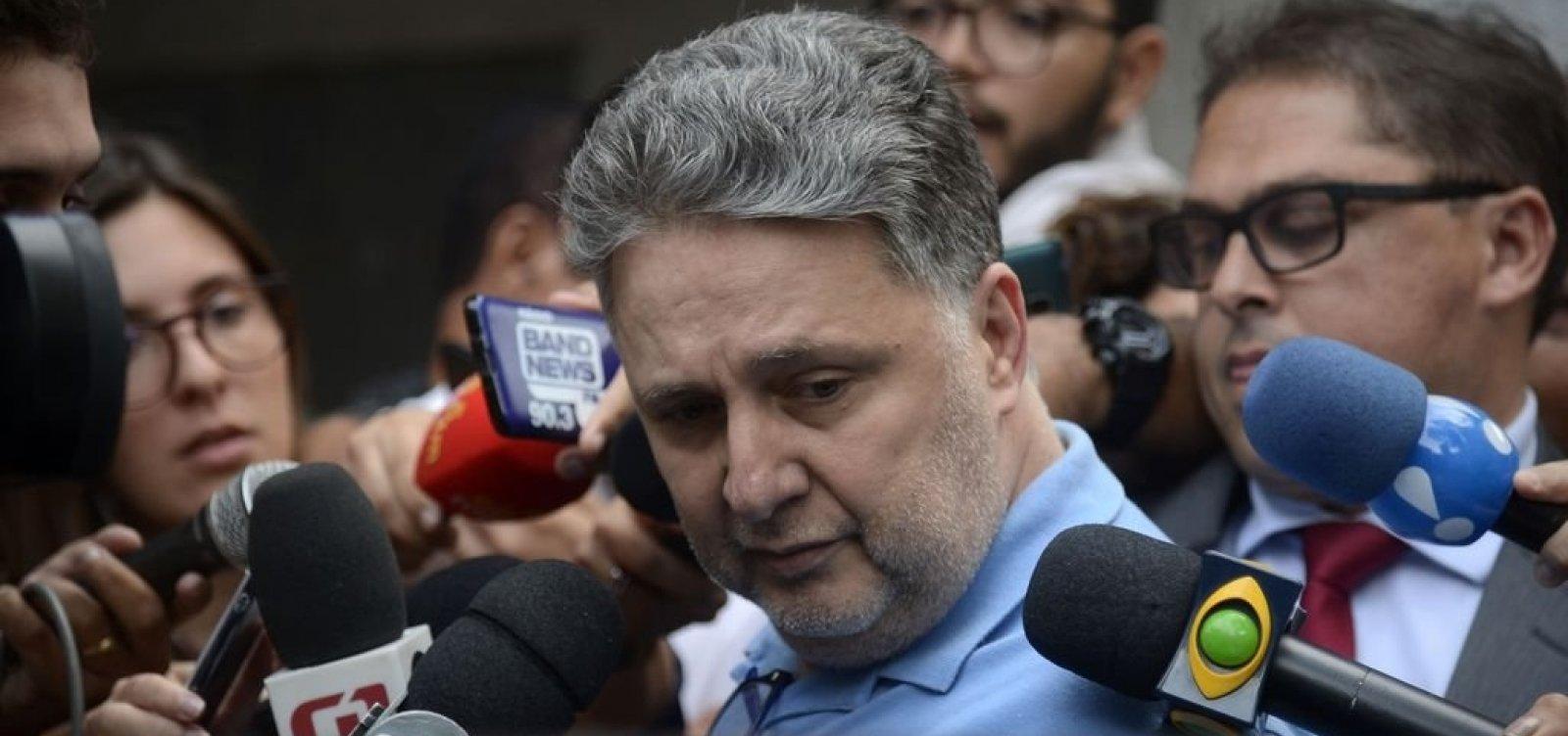 Um dia após detenção, Garotinho e Rosinha deixam prisão no Rio de Janeiro
