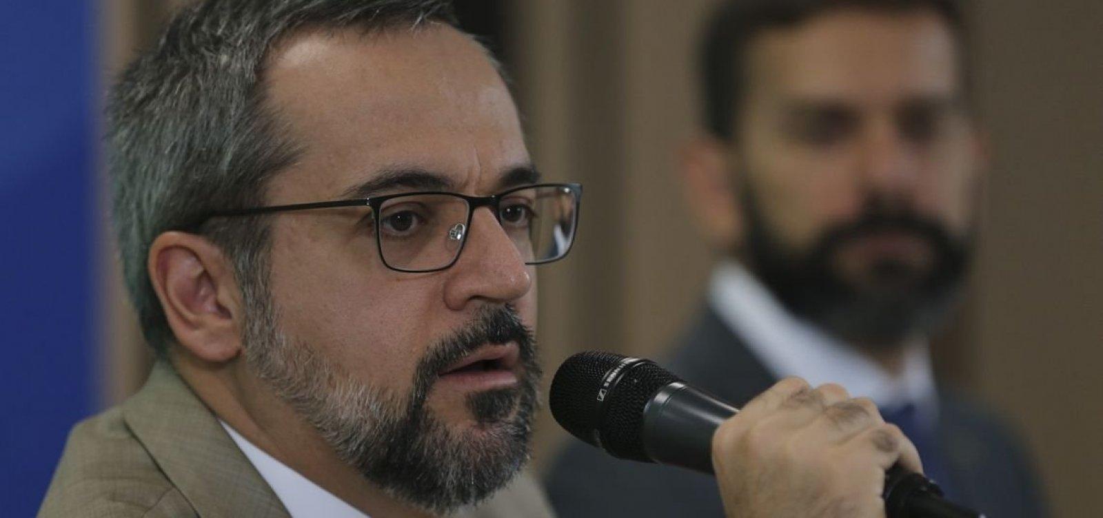 Situação nas universidades federais vai melhorar, diz Weintraub