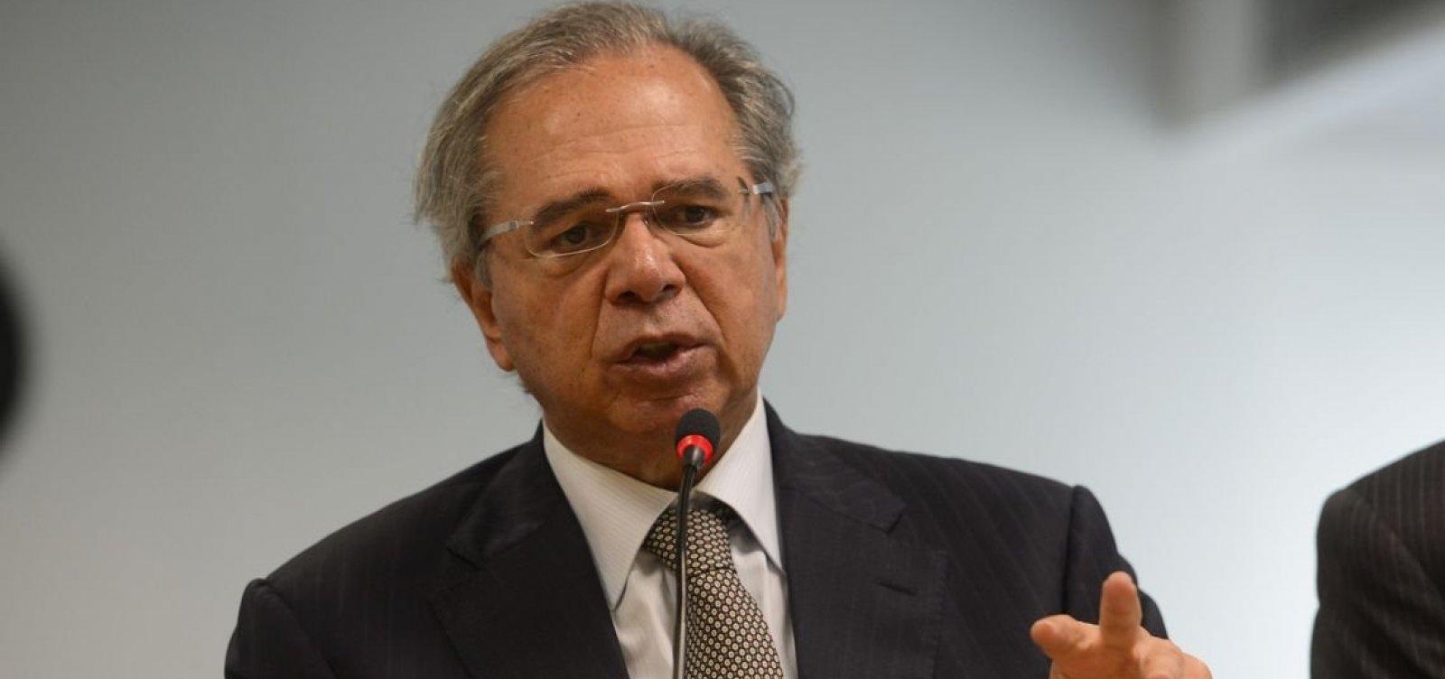 Guedes quer abater R$ 220 bilhões da dívida pública com fundos federais