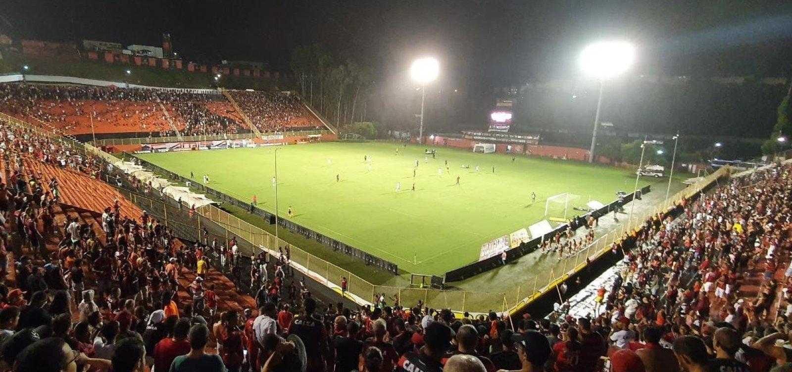 Vitória sofre e empata em 2 a 2 com o Figueirense no Barradão