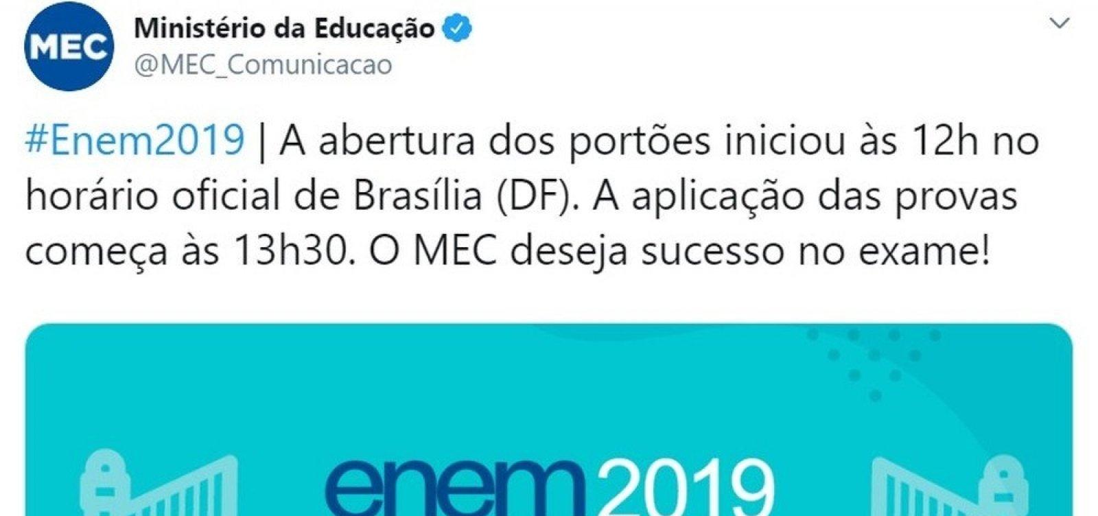 Perfil do MEC anuncia no Twitter abertura dos portões do Enem uma hora antes