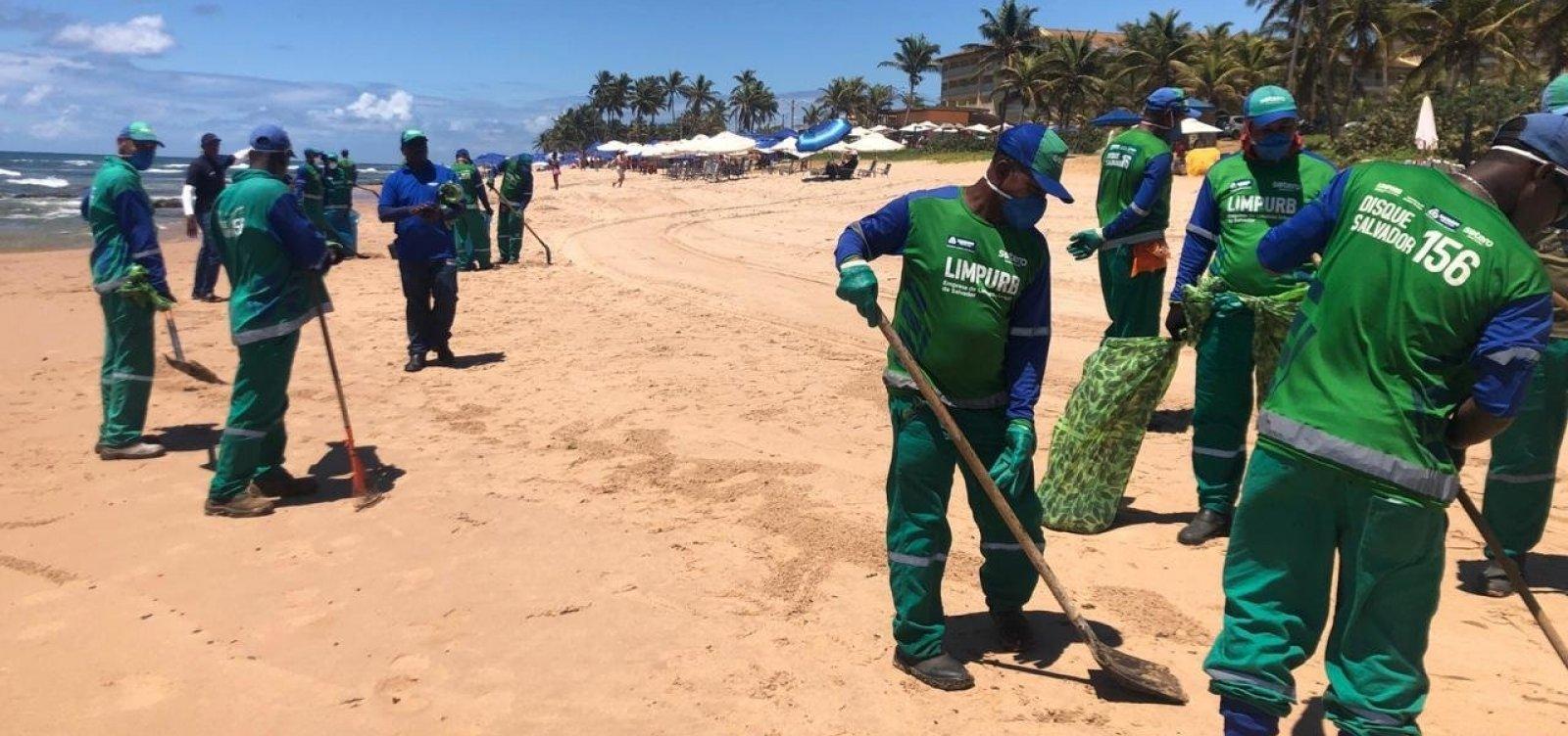 Mais de 14 toneladas de óleo são retiradas de praias de Salvador