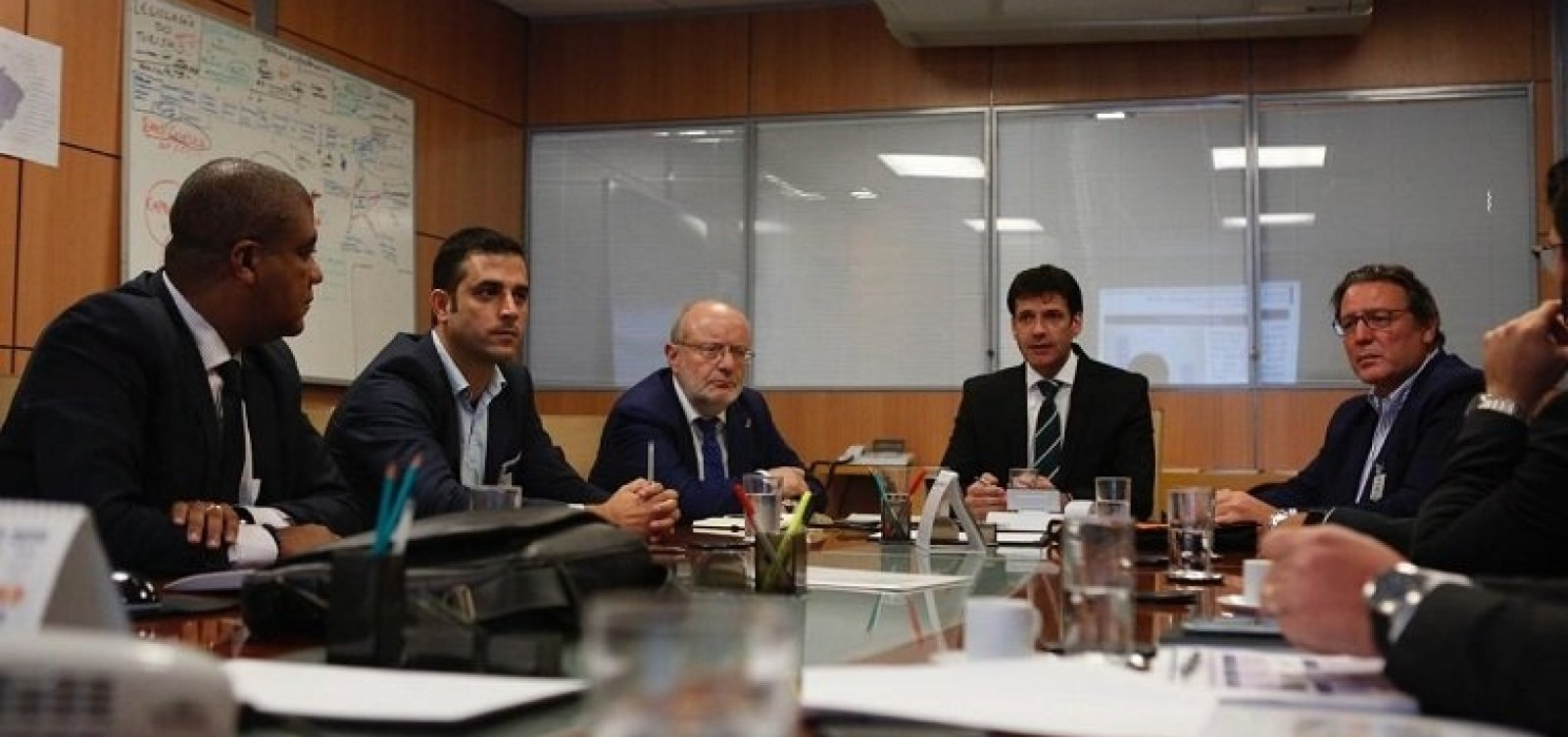 Governo anuncia estudo para construir aeroporto na Costa dos Coqueiros, na Bahia
