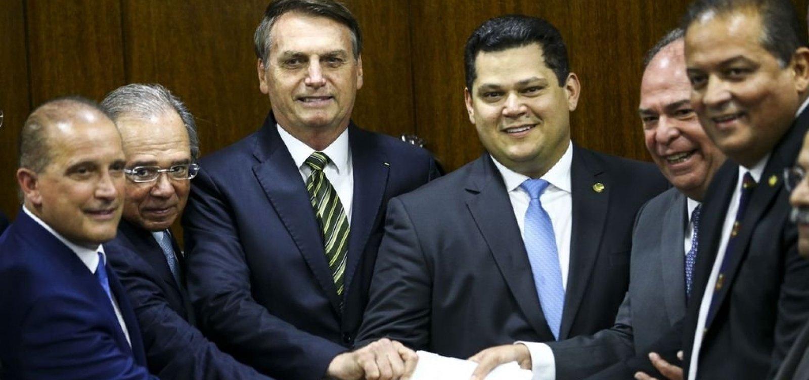 Bolsonaro e Guedes entregam pacote ao Congresso: 'Transformação do Estado'
