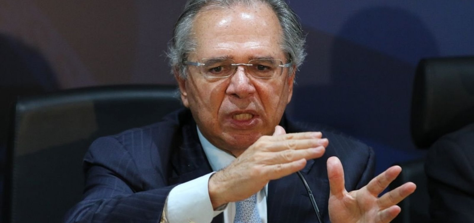'Se tem filiação partidária não é servidor, é militante; não vou dar estabilidade', diz Guedes